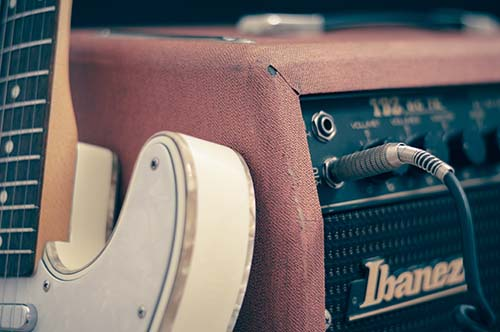 Guitar Amplifier with Guitar